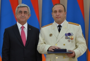According to the decree of RA President the Deputy Chairman of RA Investigative Committee Vahagn Harutyunyan granted a rank of Major-General of Justice