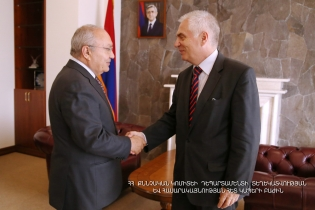 Chairman of the RA Investigative Committee Aghvan Hovsepyan received Head of EU Delegation to Armenia, Ambassador Peter Svitalski (Photos)