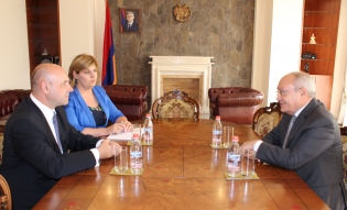 Chairman of RA Investigative Committee Aghvan Hovsepyan received Ambassador Plenipotentiary and Extraordinary of Belarus to Armenia