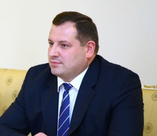 Chairman of RA Investigative Committee Hayk Grigoryan Offered RA Minister of Labor and Social Affairs to Examine Procedure of Formation of Registration Lists of Beneficiaries, Provision of Money