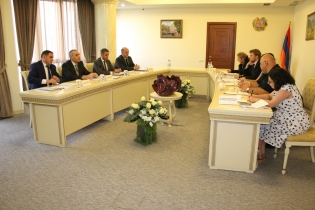 RA IC Deputy Chairman Artur Ghambaryan Received Delegation of EC Office to Yerevan (photos)