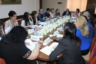 Meeting-Discussion with Members of Public Monitoring Group Held at Investigative Committee (photos)