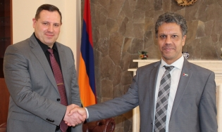 RA IC Chairman Hayk Grigoryan Received Ambassador Extraordinary and Plenipotentiary of United Arab Emirates in Armenia Jassim Mohammad Al Kassimi (photos)