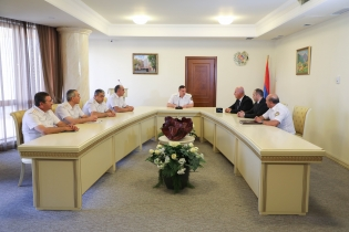 Chairman of Investigative Committee Awarded a Number of Police Officers (photos)