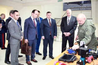 Delegation Headed by Chairman of RA Investigative Committee Acquainted with Modern Technical-Criminalistics Equipment Applied by Counterpart in Russian Federation (photos)